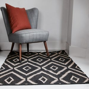 Hand loomed wool & jute rug
