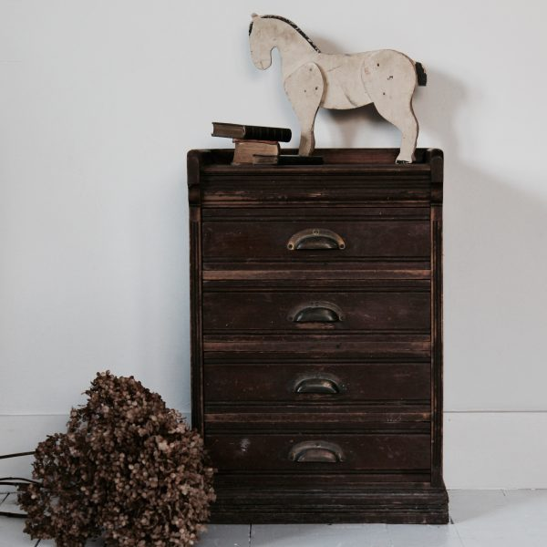 small 1920s chest of drawers