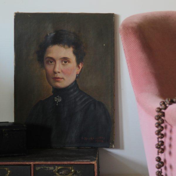 Antique portrait of a lady, oil on canvas