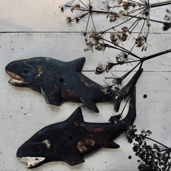 Pair of cast iron fish