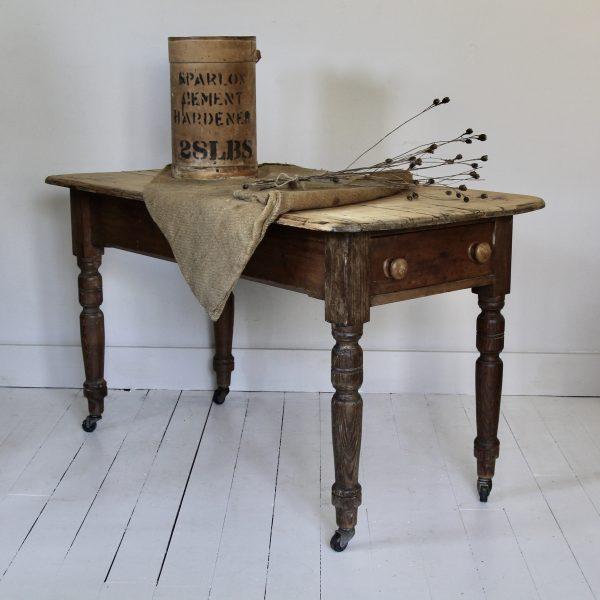 Victorian scrub top farmhouse table