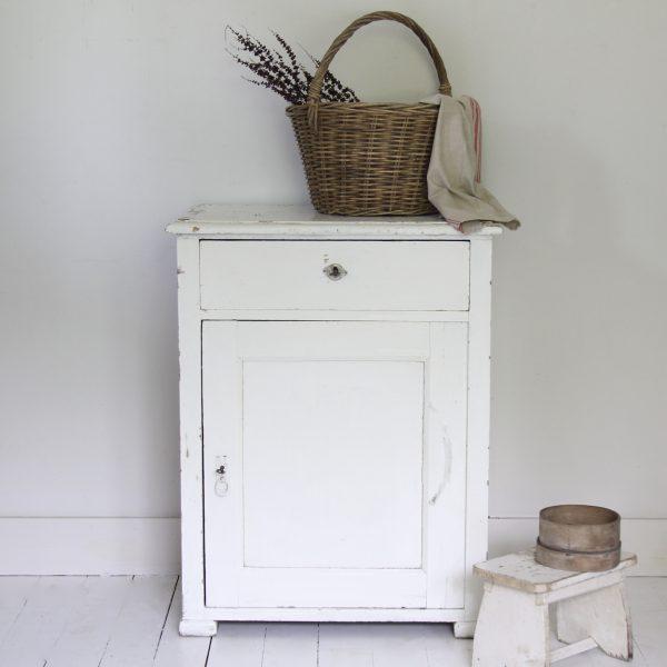 Late 19th century pine cupboard